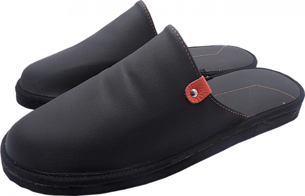 0043 Slippers man with heel